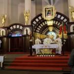 Sprawowanie Mszy Św. przez księży